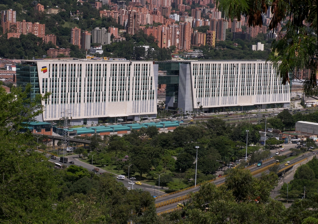 Bancolombia Va Por Comercio Electrónico